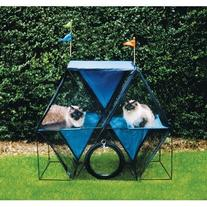 The Ferris WheelTM Outdoor Pet Enclosure
