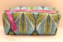 Estee Lauder Green Purple Floral Leaf Cosmetic Makeup Bag-