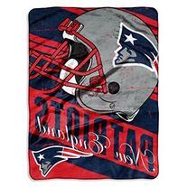 "NFL New England Patriots ""Deep Slant"" Micro-Raschel Throw,"