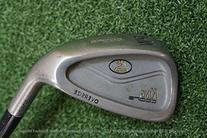 Cobra Right-Handed Wedge Steel