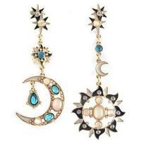 Rotita Sun and Moon Metal Pendant Rhinestone Design Earrings