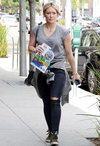 Sleeveless Cropped V Neck Tee as seen on Hilary Duff -
