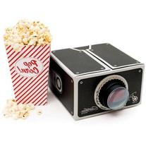 TheLittleBoysRoom Smartphone Projector And Popcorn Gift Set